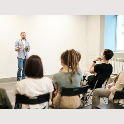 SIEA pomáha objavovať mladých inovátorov. Prostredníctvom workshopov pre školy