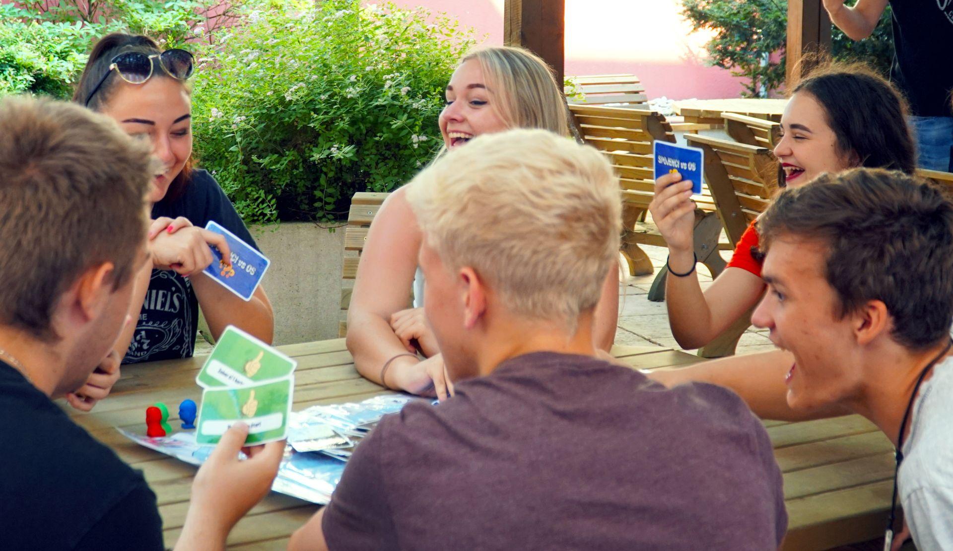 Gymnazisti z Námestova vytvorili vlastnú spoločenskú hru. Využili technológiu 3D tlače   Inovujme.sk