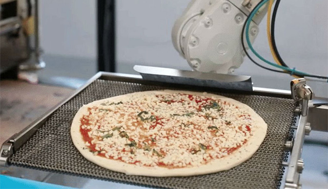 Pizza pripravená robotmi má hneď niekoľko výhod   Inovujme.sk